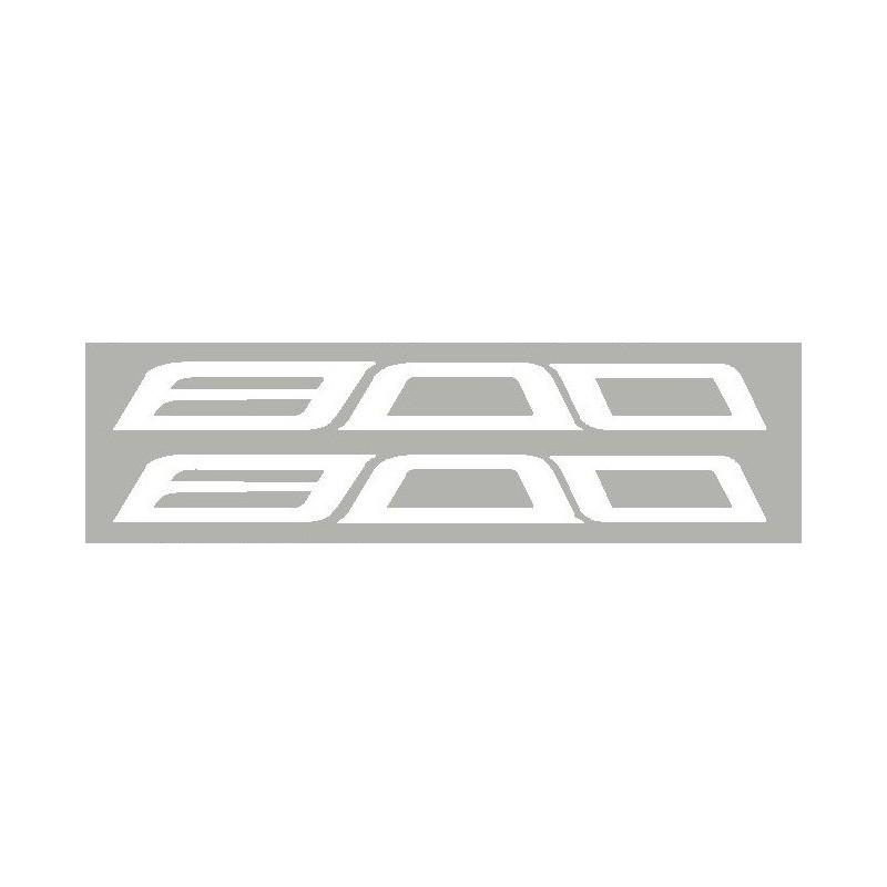 2 Logos Suzuki en relief 3D